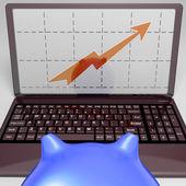 Wykres na ekranie pokazuje wzrost sprzedaży osiągnięcia — Zdjęcie stockowe