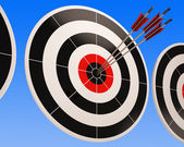 Triple Dart Shows Winning Perfect Shot — Stockfoto