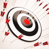 Off Target Shows Aiming Mistake — Stock Photo