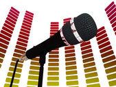 Grafik equalizer'ı ve mikrofon rock müzik soundtrack veya konser gösterir — Stok fotoğraf
