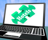 Hotels Laptop Shows Motels Hotel And Room Vacancies — Stock Photo
