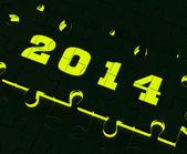 Dva tisíce a čtrnáct na puzzle ukazuje rok 2014 řešení — Stock fotografie