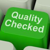品質チェック キーを [ok] をテスト製品を示しています — ストック写真