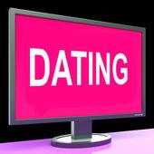 Pomaturitní studium počítač ukazuje romance datum a web láska — Stock fotografie