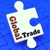 Quebra-cabeça do comércio global mostra multinacional internacional em todo o mundo — Foto Stock