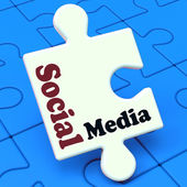 Social Media Puzzle Shows Online Community Relation — Stock Photo