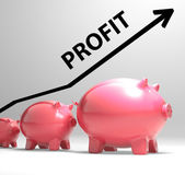 Profit Arrow Shows Sales And Earnings Projection — Stock Photo