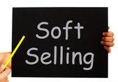 Miękkie sprzedaż tablica oznacza techniki reklamowe dorywczo — Zdjęcie stockowe