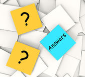 Questions Answers Post-It Notes Show Questioning And Explanation — Stock Photo