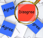 Agree Disagree Post-It Papers Mean Agreeing Or Opposing — Stock Photo