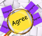 Agree Disagree Post-It Papers Mean Opinion Agreement Or Disagree — Stock Photo