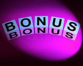 Bonus Dice Indicate Promotional Gratuity Benefits and Bonuses — Zdjęcie stockowe