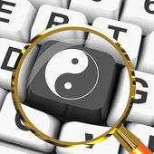 Ying Yang Key Magnified Means Spiritual Peace Harmony — Stock Photo