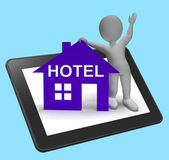 Hotel House Tablet Shows Vacation Accommodation And Rooms — Stock Photo