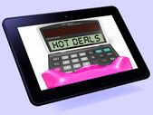 спецпредложения планшетов калькулятор показывает рекламное предложение и сбережения — Стоковое фото