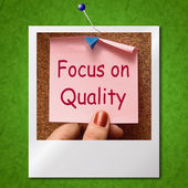Focus On Quality Note Photo Shows Excellence And Satisfaction Gu — Foto de Stock