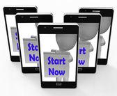 Start Now Phone Shows Begin Or Do Immediately — Stock Photo