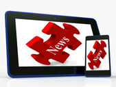 News Tablet Shows Read Or Watch Latest Updates On Web — Zdjęcie stockowe