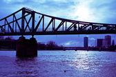 Frankfurt am main, niemcy. eiserner steg — Zdjęcie stockowe