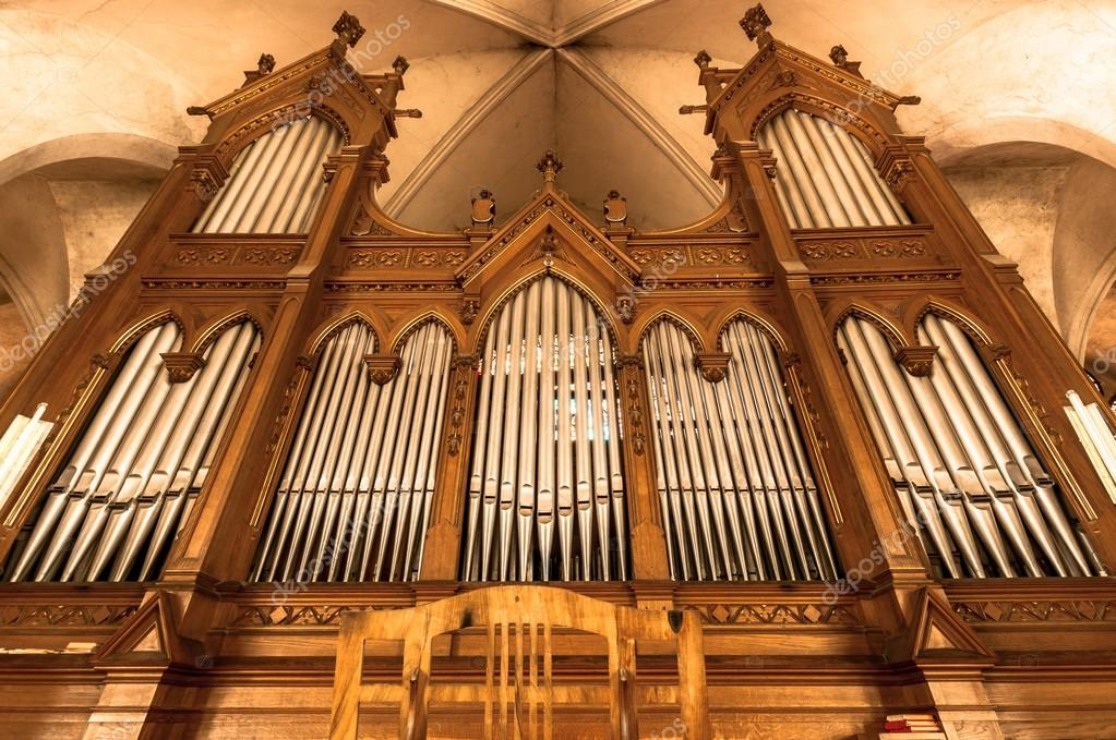 Beautiful organ with a lot of pipes angle shot — Stock Photo #13886803