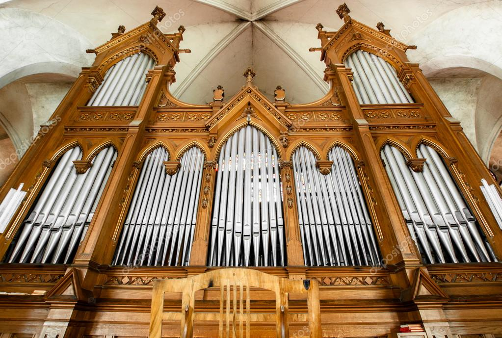 Beautiful organ with a lot of pipes angle shot — Stock Photo #18057361