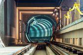 Instalaciones subterráneas con un gran túnel — Foto de Stock