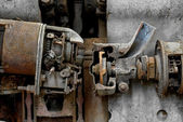 Pièces de machine industrielle rouillé — Photo