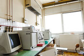 Old vintage computer in laboratory — 图库照片