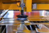 工場で鋼の切削のマシン — ストック写真