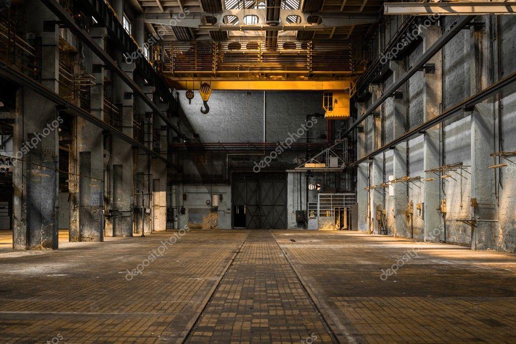 Int rieur d 39 une ancienne usine industrielle photographie for Interieur usine