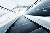 Moving escalator in the business center — Zdjęcie stockowe