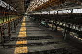 Large industrial hall of a repair station — 图库照片