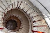 Ve al revés de una escalera de caracol — Foto de Stock