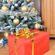 Christmas tree with gift box — Stock Photo
