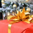 Christmas tree with gift box — Stock Photo #12599583