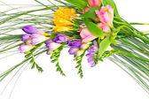 Kleurrijke bloemen boeket geïsoleerd op witte achtergrond. — Stockfoto