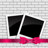 Instant Photos on Grunge Brick Background Vector Illustration — Vecteur