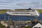 在苏格兰,设得兰岛的 msc 邮轮 — 图库照片