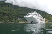 Norway - Geirangerfjord - Travel destination for cruise ships — Stock Photo
