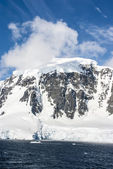 Antarctica - Fairytale landscape in a sunny day — Stock Photo