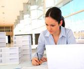 Kadın mimar ofis — Stok fotoğraf