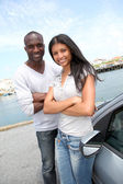 Cheerful couple in travel journey — Stock Photo