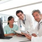 Medizinkongress in Krankenhaus-Büro — Stockfoto