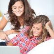 Teenagers surfing on internet — Stock Photo