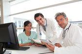 Médica reunião no escritório do hospital — Foto Stock
