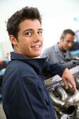 Student in auto mechanics — Stock Photo