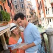 Couple of tourists in Venice — Stock Photo
