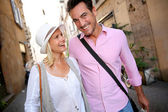 Couple walking on the streets of Rome — Stock Photo