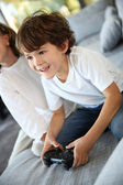 Kids playing video game — Foto de Stock