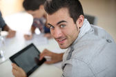 Student using tablet — Photo